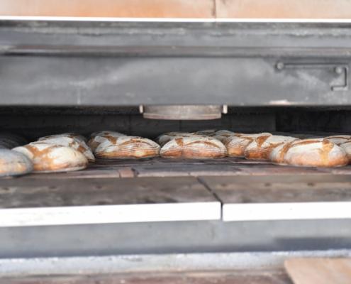 pane in forno caldo