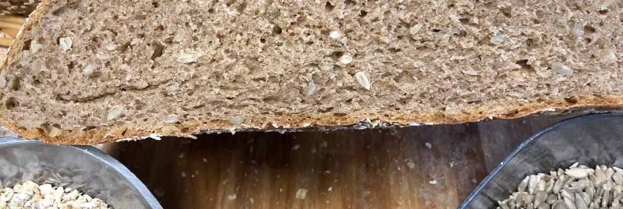 pane biologico ai cereali di montagna